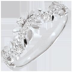 خاتم الحديقة المسحورة ـ أوراق الشجر الملكية ـ الألماس و الذهب الأبيض 18 قيراط