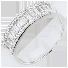 خاتم فييري ـ ضوء أنفيني ـ 49 ماسة : 1.63 قيراط ـ من الذهب الأبيض 18 قيراط