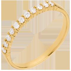 Alliance or jaune semi pavée - serti griffes - 11 diamants