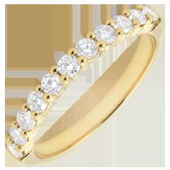 Alliance or jaune semi pavée - serti griffes - 0.4 carat - 11 diamants