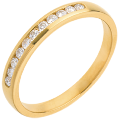 Trauring zur Hälfte mit Diamanten besetzt in Gelbgold - Kanalfassung  - 11 Diamanten
