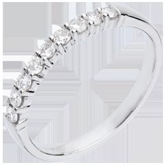 Alliance or blanc semi pavée - serti griffes - 0.25 carats - 9 diamants