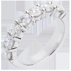 Alianza oro blanco semi empedrado - engaste garras - 1.5 quilates - 7 diamantes