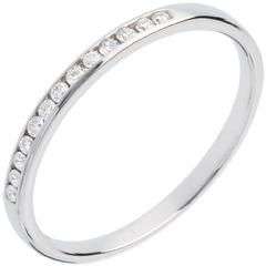 Fede nuziale oro bianco semi pavé - incastonatura Binario - 13 diamanti