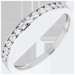 Fede nuziale incastonature magiche oro bianco e diamanti