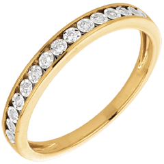 Fede nuziale incastonature magiche oro giallo e diamanti