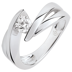 Solitario Brillo Eterno - Ondina -diamante de 0.4 quilates -oro blanco de 9 quilates