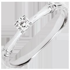 Anello di fidanzamento Giungla Sacra - diamante 0.09 carati - oro bianco spazzolato 9 carati