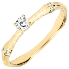 Anello di fidanzamento Giungla Sacra - diamante 0.09 carati - oro giallo spazzolato 9 carati