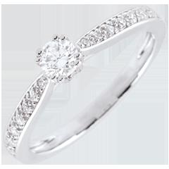Anello solitario Garlane - 8 griffe - Oro bianco - 18 carati - 8 Diamanti - 0.19 carati