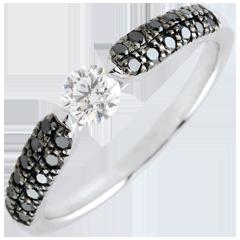 Anello solitario Trionfale - Oro bianco - 9 carati -Diamanti neri e Diamante bianco - 0.45 carati e 0.25 carati