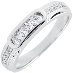 Helwen Trilogy Ring - 18 carats
