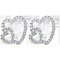 Kolczyki Obfitość – Podwójne serce – białe złoto 9-karatowe z diamentami