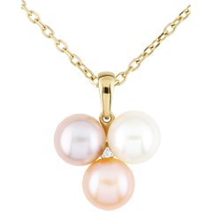 A Mother-of-pearl Trio Pendant