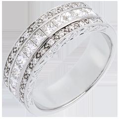 Pierścionek Feeria - Kierunek Wenus - z białego złota 18-karatowego, w połowie wysadzany diamentami - 0,87 karata - 35 diamentów
