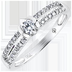Pierścionek Feeria – Szlachetne Zaręczyny – białe złoto 9-karatowe z diamentami