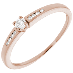 Solitaire Ring - Pink gold and diamond