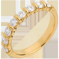 Trauring semi pavé in Gelbgold - Krappenfassung - 0.75 Karat - 8 Diamanten