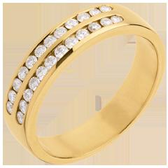 Trauring zur Hälfte mit Diamanten besetzt in Gelbgold - Kanalfassung 2-reihig - 0.36 Karat - 24 Diamanten