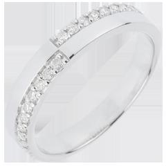 Wedding Ring Nice Equilibrium