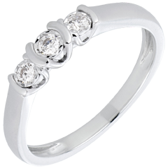 White Gold and Diamond ParenthèseTrilogy Ring